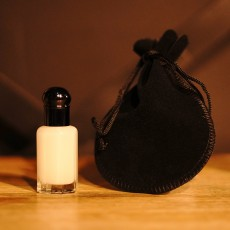 Vanilla Musk Oil (12ml or 1 Tola)